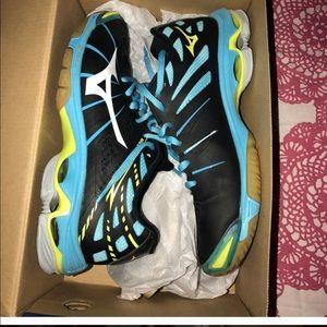 Mizuno Sport Sneakers Size 7 (woman)